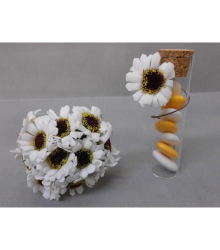 12 fleurs marguerites en mousse color e pour contenant. Black Bedroom Furniture Sets. Home Design Ideas