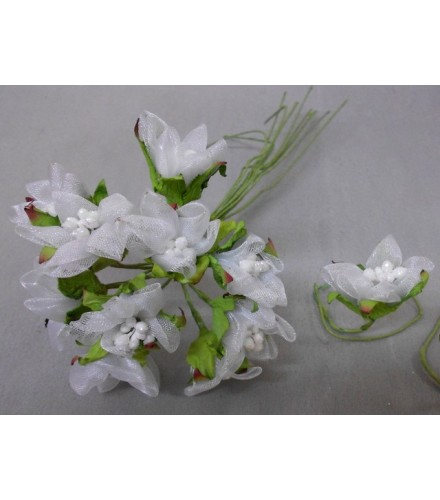 12 fleurs blanches en organza déco dragées