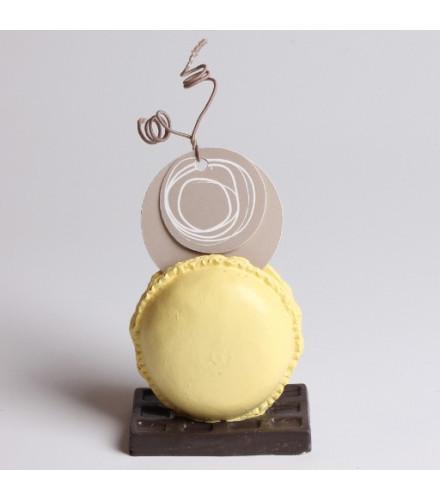Porte-nom macaron pastel coloré base chocolat résine
