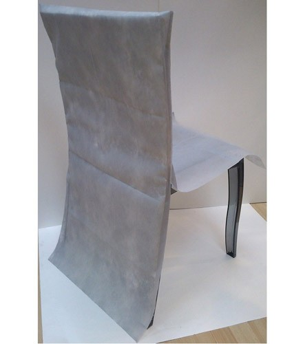 10 housses de chaises mariage déco colorées en intissé
