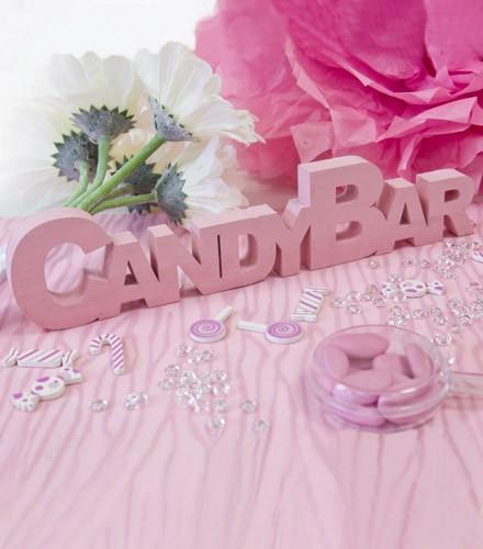 Décoration de table candy bar rose