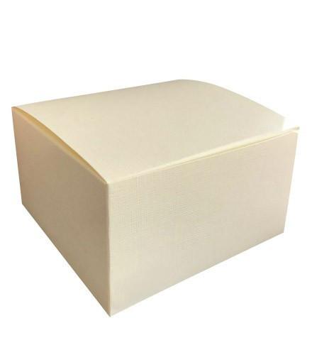 Boîte à gâteau mariage carrée striée ivoire en carton