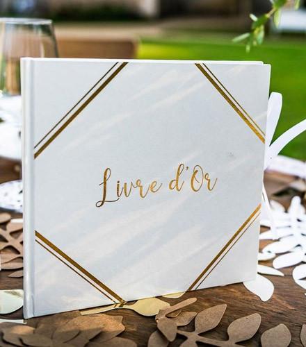 Livre d'or mariage chic blanc avec encadré doré