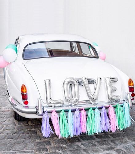 kit d coration voiture mariage love pompons color s drag e d 39 amour. Black Bedroom Furniture Sets. Home Design Ideas