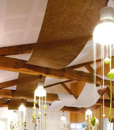 Tenture mariage colorée jetable pour plafond en rouleau