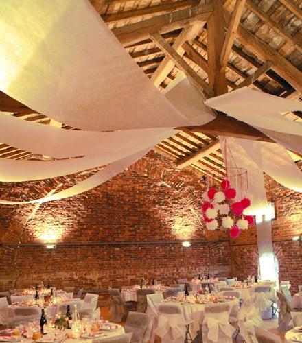 Tenture plafond jetable colorée en tissu intissé 10 m