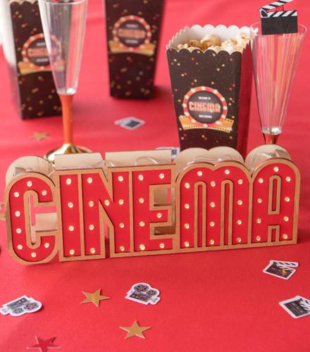 Centre de table cinéma lumineux bois
