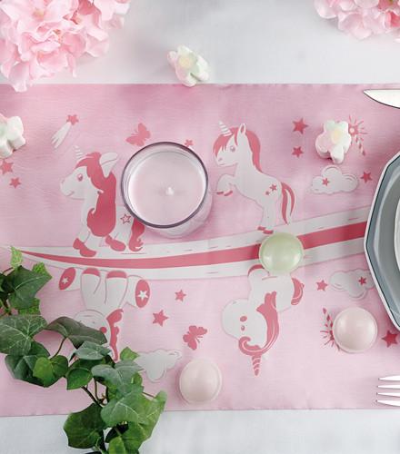 Chemin de table anniversaire licorne taffetas rose