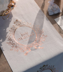 Chemin de table mariage Just Married coton rose gold
