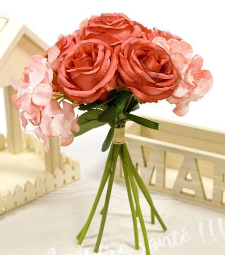 Bouquet roses et hortensias artificielles colorées
